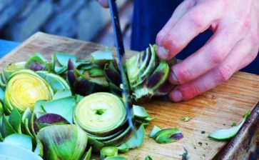11 Ways To Eat More Local Foods In Season